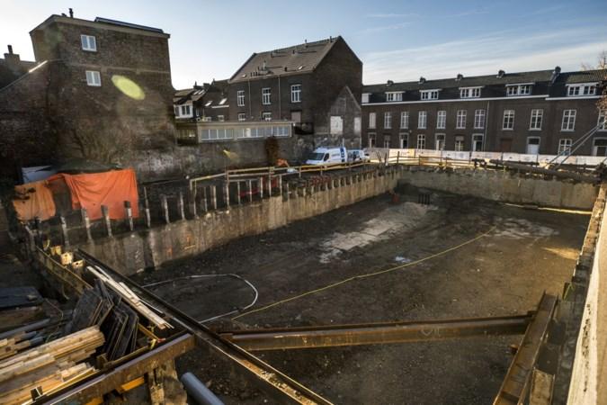 Bouw van Grand Hotel Maastricht deels stilgelegd