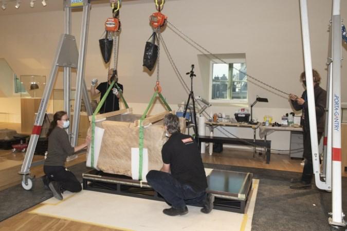 Boodschap aan restaurateurs van sarcofaag Simpelveld: ze vinden een dubbeltje van 1961 in een grafkist van 300 na Christus