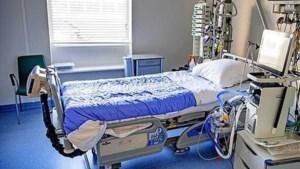 Instroom coronapatiënten in ziekenhuizen blijft hard dalen