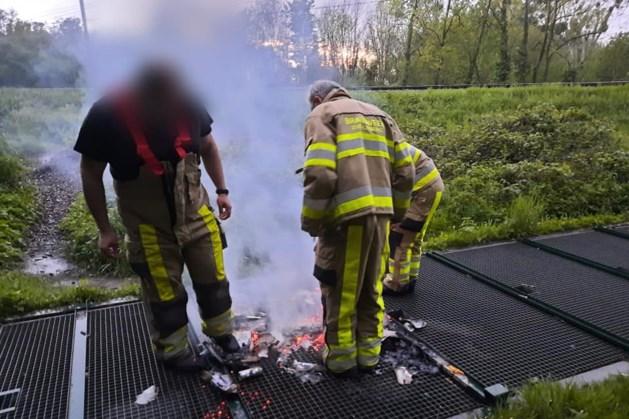 Brandje op wildrooster Bunde loopt met sisser af