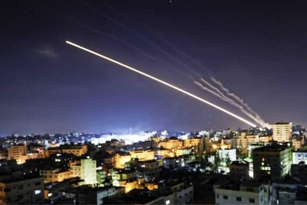 Israël zet aanvallen Gaza voort in vijfde nacht van beschietingen