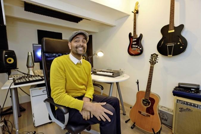 Oud-gitarist van Postmen Willem uit Echt werd na herseninfarct een betere versie van zichzelf: 'Ik voelde me weer even muzikant'