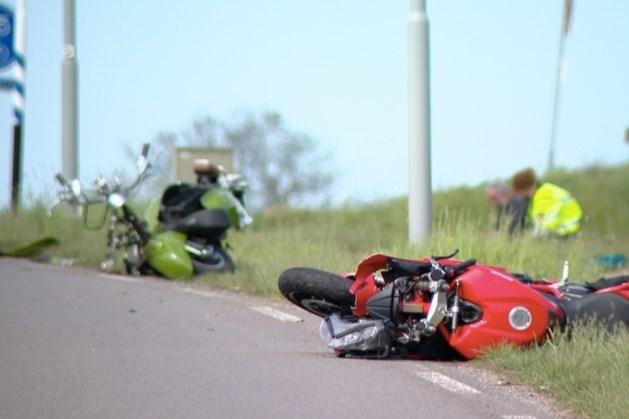 Snorfietser (64) in ziekenhuis overleden na aanrijding met motor