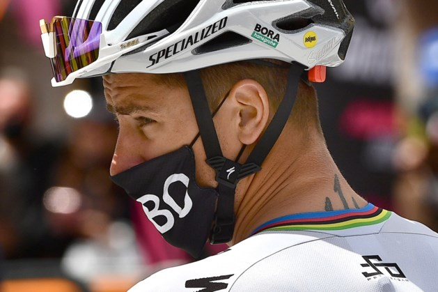 Sagan bekroont ploegwerk met winst van kortste etappe Giro