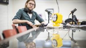 Schrijver Daan Doesborgh uit Steyl maakt podcast <I>Het Raadsel van Limburg</I> met muziek van Tren van Rowwen Hèze