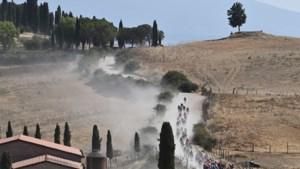 'Dit is géén Strade Bianche': buiten grindwegen weinig gelijkenissen tussen klassieker en Giro-rit