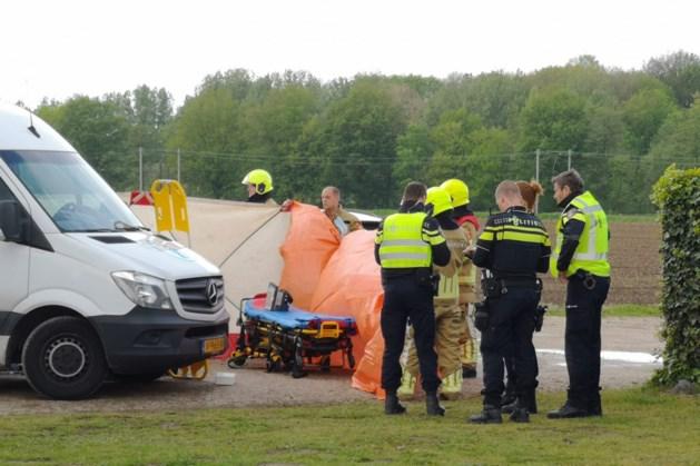 Vrouw overreden door busje: traumahelikopter ter plekke