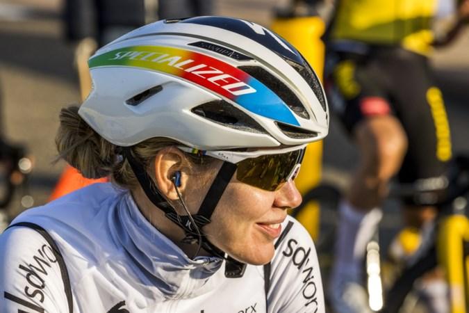 Venrayse Pauliena Rooijakkers in Baskenland tussen de wereldtoppers, Anna van der Breggen wint