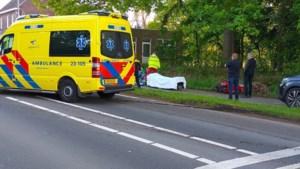 Scooterrijder per traumheli naar ziekenhuis na ongelukkige val