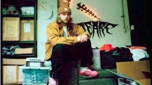 Kleding van Landgraafse ontwerper Naud Verboeket valt in de smaak bij hiphoppers