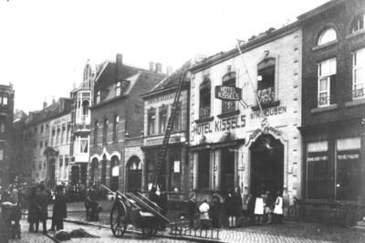 Verwoestende brand legde Hotel Kissels in Roermond op 3 oktober 1926 grotendeels in de as