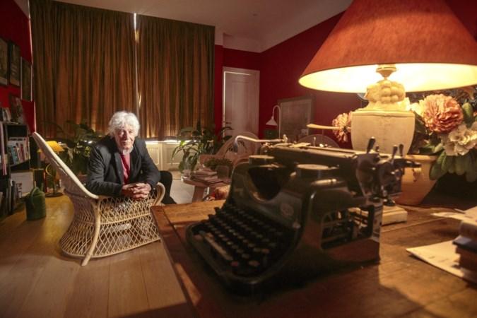 Cabaretier Paul van Vliet (85) bespiegelt in nieuw boek zijn leven: 'Het verlangen blijft'