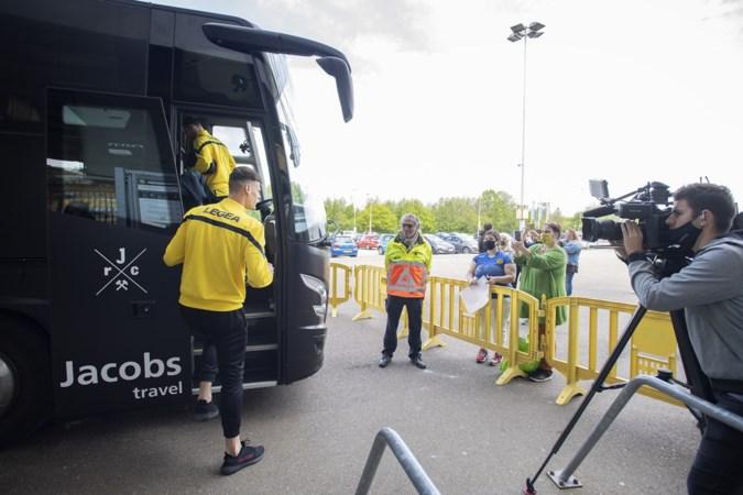 Fans steken Roda JC hart onder de riem op weg naar halve finale play-offs