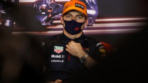 Vettel geniet van strijd Verstappen - Hamilton: 'Klasse dat ze dit kunnen zonder te crashen'