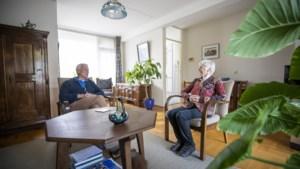 Anneke (88) uit Baarlo is bang te zeggen hoe ze denkt over immigratie, maar doet het toch: 'Nederland raakt veel te vol'
