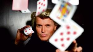 Hans Klok gaat het circus in en daarmee op tournee door Nederland