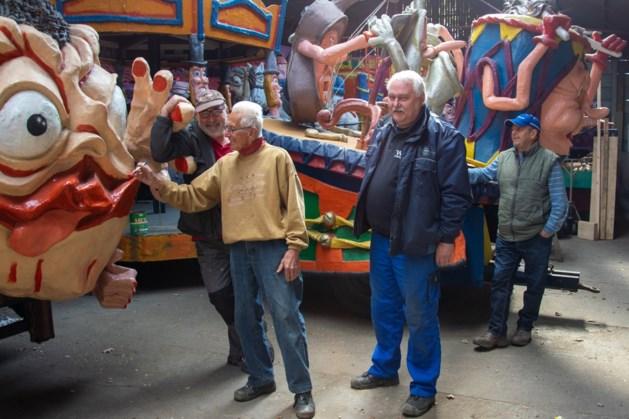 Bouwcommissie van carnavalsvereniging de Aester uit Echt zoekt klussers