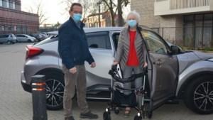 Vrijwillige chauffeurs van Automaatje Weert mogen ook weer sociaal noodzakelijke ritten rijden