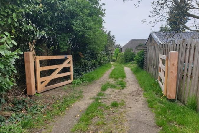 Armand uit Well sluit weg op eigen terrein af; gemeente Bergen wil hek weer weg hebben en dreigt met dwangsom