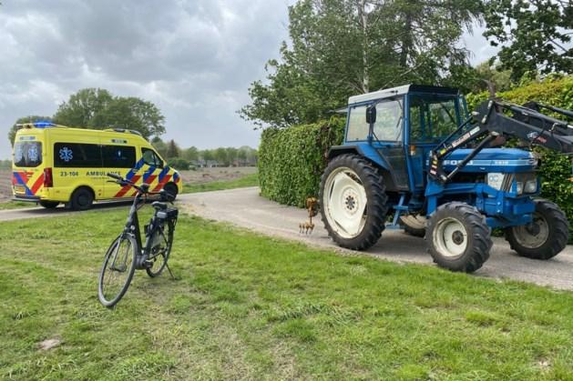 Fietser geraakt door tractor in Maasbree en raakt gewond