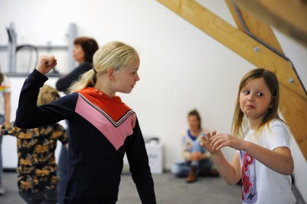 Dubbele 'première voor kinderen Jeugdtoneel Flink! in Horst