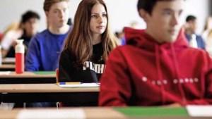 Leraren verbolgen over plotse opening scholen: 'Op mij hoeven ze niet te rekenen'