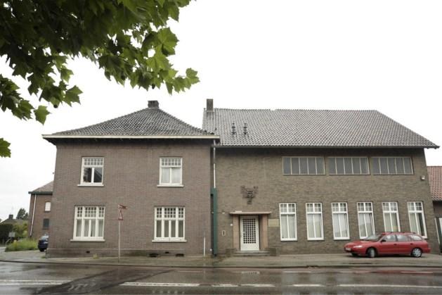 Geschiedenis van dakpannenfabriek De Valk in Echt wordt vastgelegd in een boek