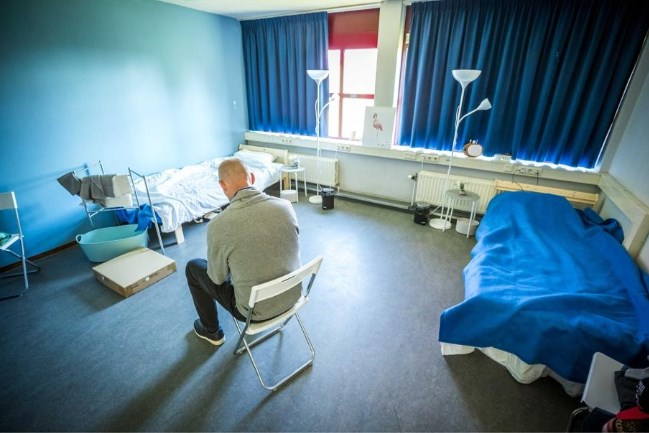 GGD met vaccins op pad naar daklozen: 'Wie een prik wil krijgt er meteen een'