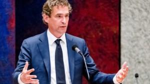 Minister Van 't Wout heeft burn-out, vervangen door Blok
