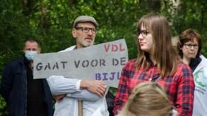 Groep van honderd protesteert tegen voorgenomen kap in Sterrebos