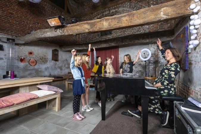 Swingen op P!nk en Herman van Veen: MiniMix uit Geleen gaat voor The Voice Kids