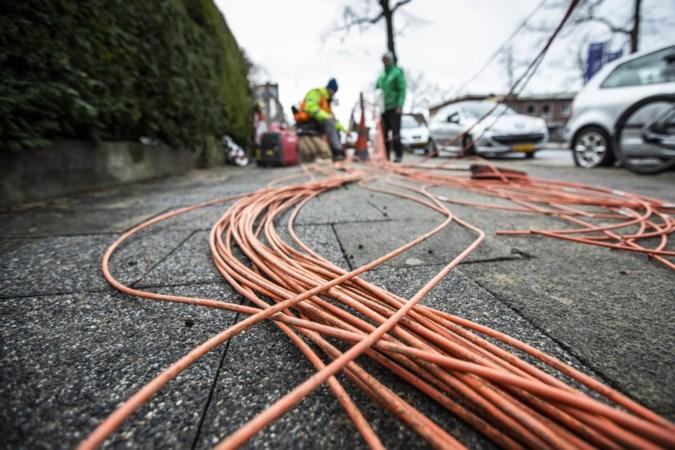 Telecombedrijven in race voor aanleg glasvezelnetwerken in Sittard-Geleen, onrust rond vroegtijdige opening 'informatiewinkel'