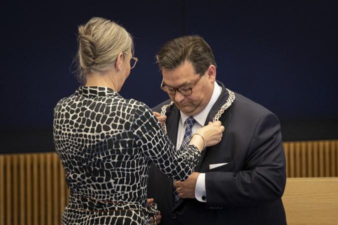 Weert wil weer vooruit kijken: burgemeester Raymond Vlecken kan aan de slag