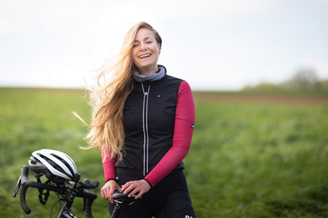 Dolgelukkige fietsjunkie Leandra Bisschops verlegt grenzen en gaat avontuur van 1900 kilometer aan
