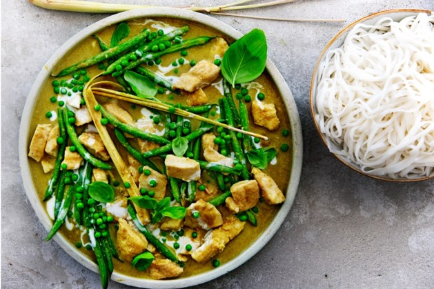 Bord groen geluk: Thaise groentecurry met kabeljauwfilet (of maak 'm vega)