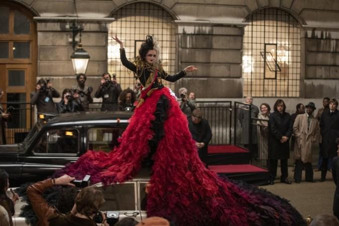 Film 'Cruella': duivels modefeestje met Emma Stone en Emma Thompson als concurrerende schurken in jurken