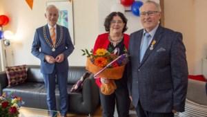 Frans van Montfoort uit Einighausen heeft na een jaar zijn lintje ontvangen