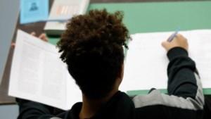 Mini-examen natuur- en scheikunde en economie: test zelf je kennis!
