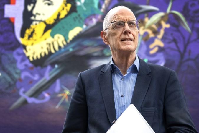 Conrector Graaf Huyn College in Geleen sleept zijn mensen met woordkunsten door de pandemie heen
