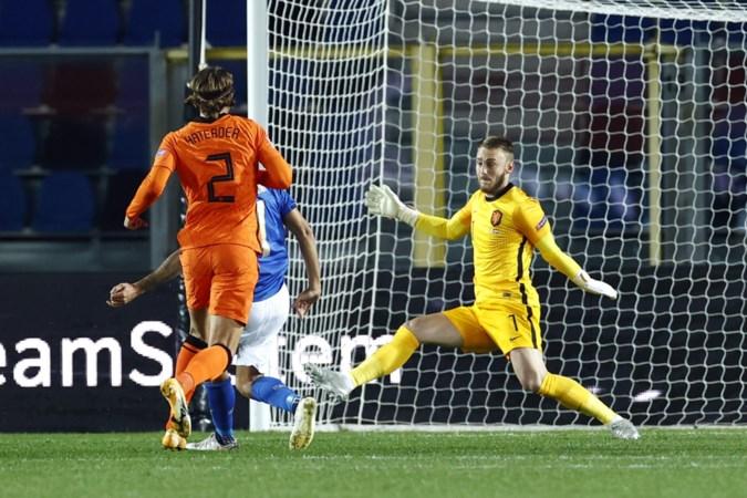 Oranje zonder positief geteste doelman Cillessen naar Portugal