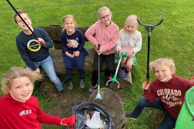 Kinderen Neeritter geven goede voorbeeld met opruimen zwerfafval: 'Stop met afvaldumping'