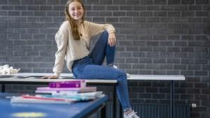 Examenleerling Karlijn uit Venray: 'Dat coronagedoe duurt nu wel erg lang'