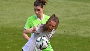 Dominique Janssen pakt Duitse beker met vrouwen Wolfsburg