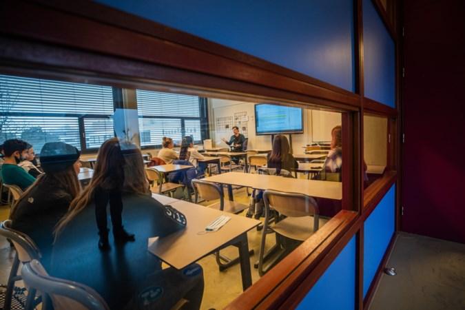 De helft van de leerlingen op middelbare scholen doet twee keer per week een zelftest, blijkt uit proefprojecten