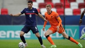 Jong Oranje met Perr Schuurs stunt op EK tegen Frankrijk en bereikt halve finale