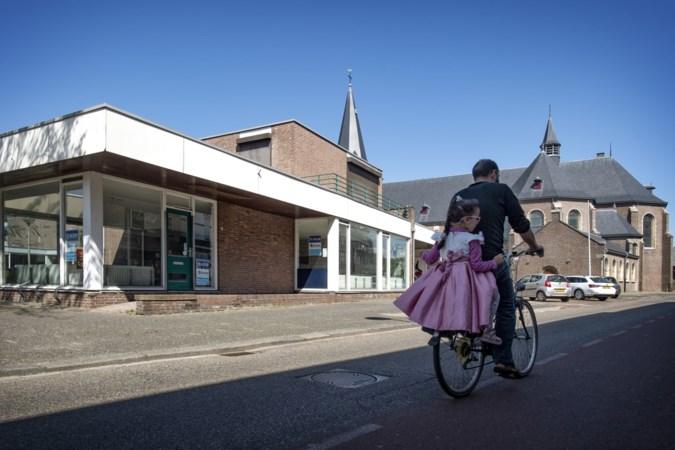 Door sloop winkelpanden wordt Petrus en Pauluskerk in Schaesberg veel zichtbaarder