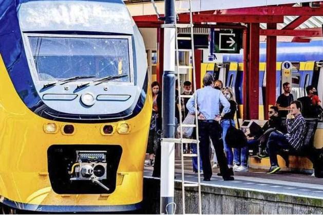 Treinverkeer in vrijwel hele land stilgelegd door grote storing