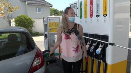 Stormloop op Duitse supers, tankstations en terrassen: 'We hebben het gemist'