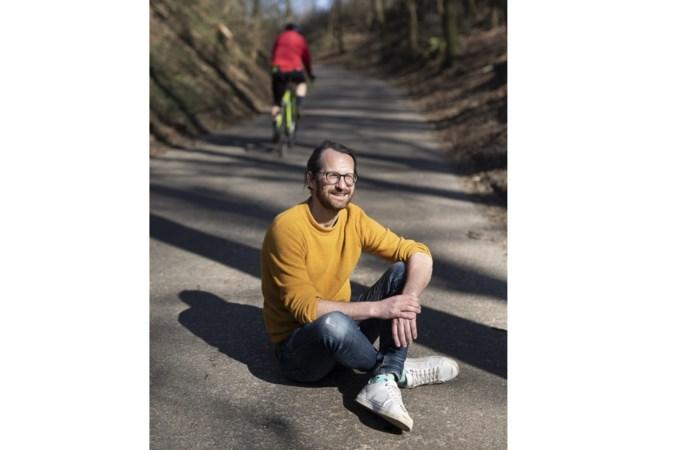 Schrijver Roman Helinski laat de liefde ontluiken in het Limburgs landschap
