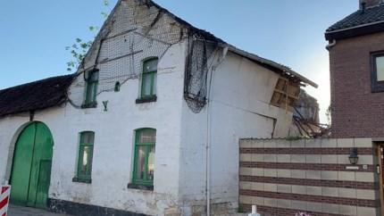 Bouwval in Rijckholt stort deels in, brandweer voorkomt erger